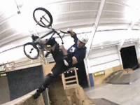 Смотреть онлайн бесплатно Сумашедший BMX